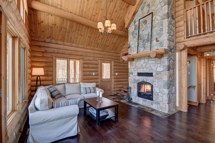 Log Cabin 25 minutes from Mont Tremblant (Hot Tub) - Labelle - Chalé