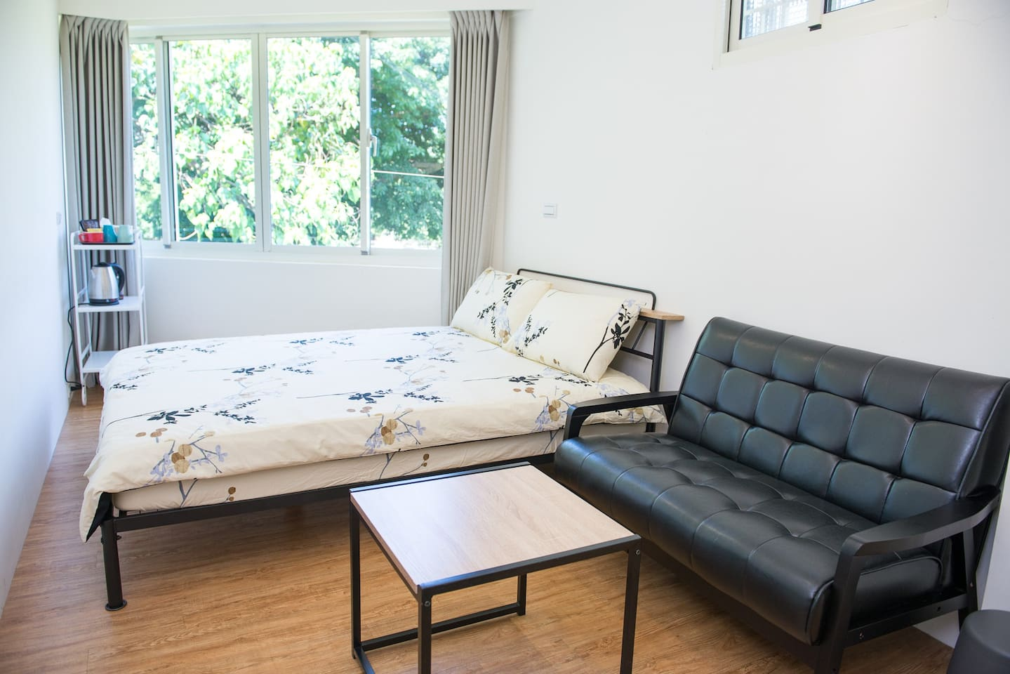 安靜、通風、採光極佳的舒適空間。 Quiet, ventilated, excellent lighting and comfortable space