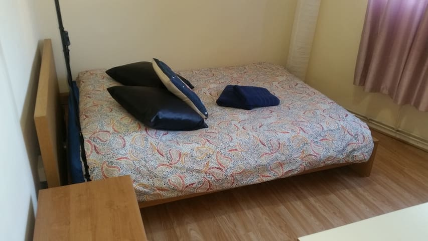4.  DBL BEDROOM NEXT TO WATERLOO STATION & BIG BEN