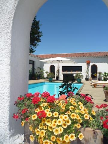 Hacienda provençale - Courthézon - Casa