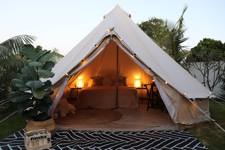 """luxe Glamping"" at your choice of location!"
