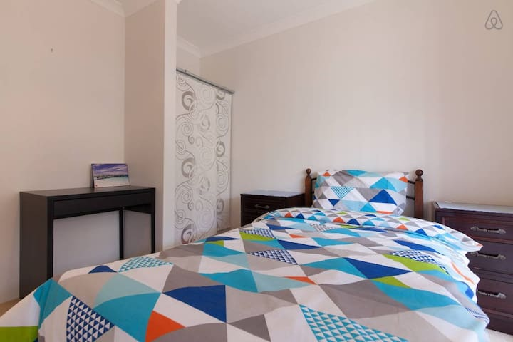 Accommodation Close to Airport - Redcliffe - Haus