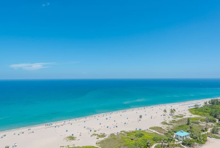 $5 Million Ritz-Carlton Oceanfront 3BR Residence