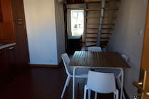 F1 minimaliste  Saint Florent avec mezzanine