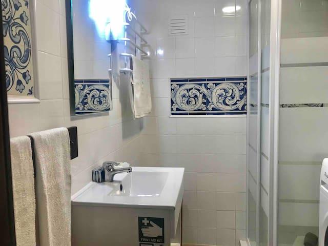 WC, shower