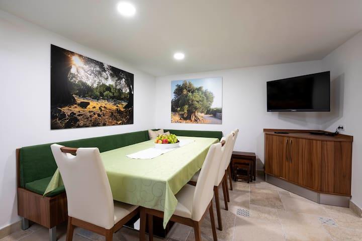 Moon Stone Residence - Premium Properties Pag