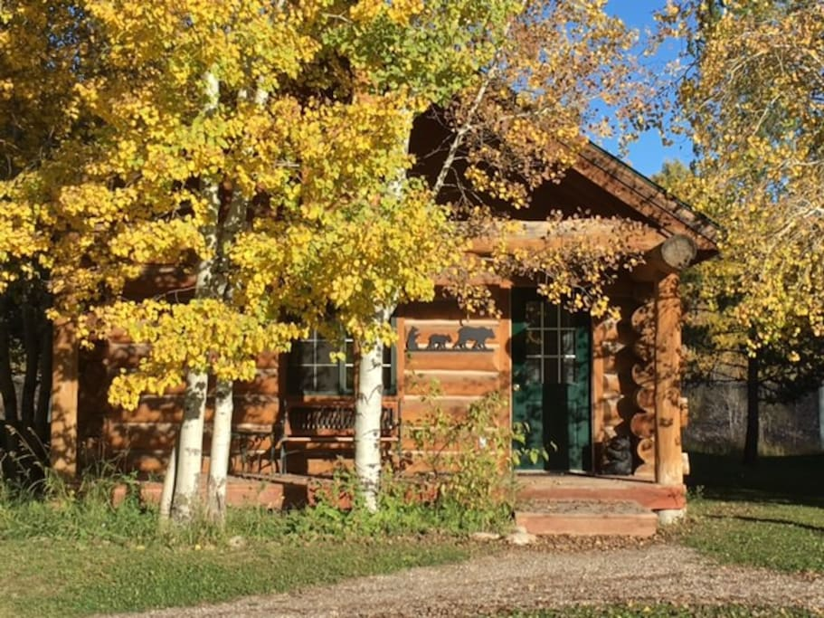 The Bear Cabin exterior view in Autumn.