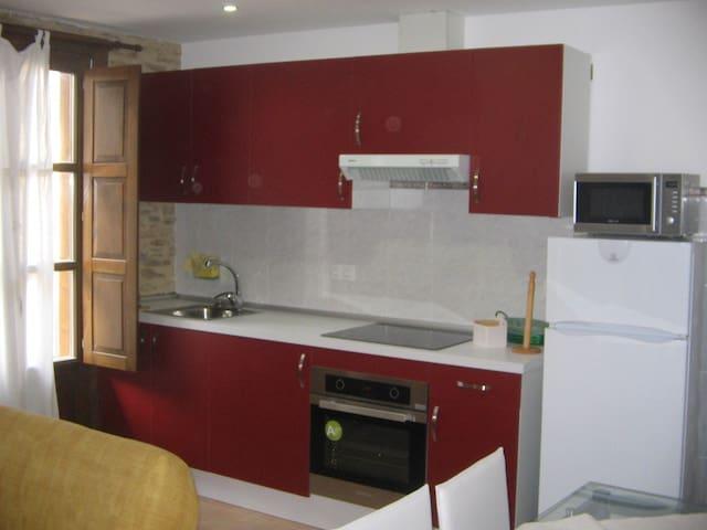 Apartamento con balcón bónito y confortable