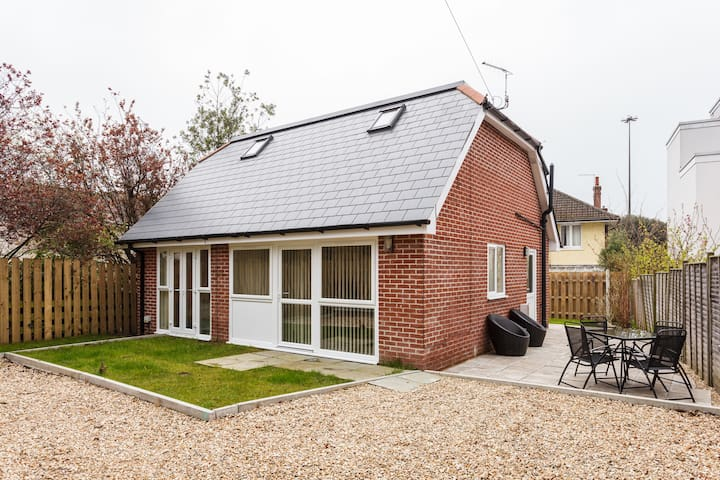 Vivian Lodge- Newly Build Holiday House Poole Town - Poole - Hus
