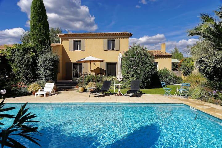 Villa Sud Luberon à 3 km de LOURMARIN - Puyvert