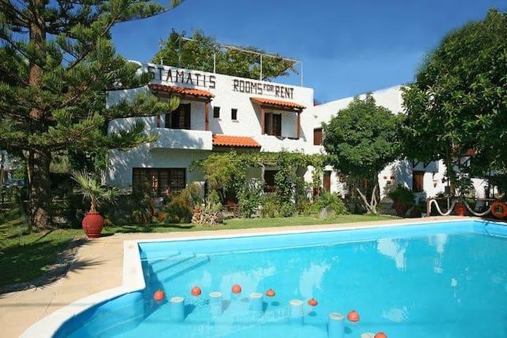 Summer Lodge triple room in Crete 2