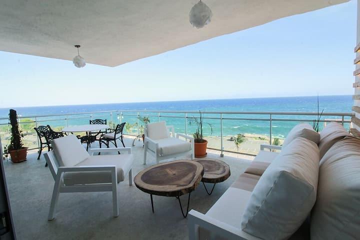 Luxury Ocean View Apartment!!