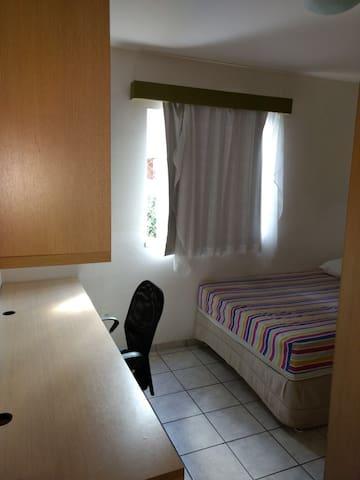 Quarto 2 - cama de casal