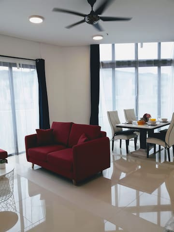 【Clean &Convenient】4Pax,1BDR Unit,Desa ParkCity!