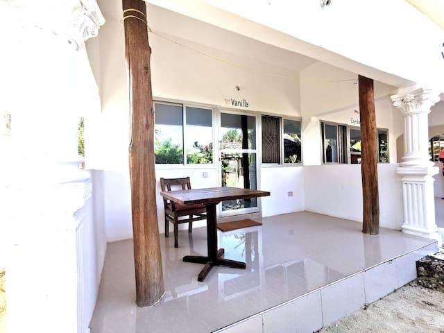 Chambre Vanila sur la plage dans villa/restaurant