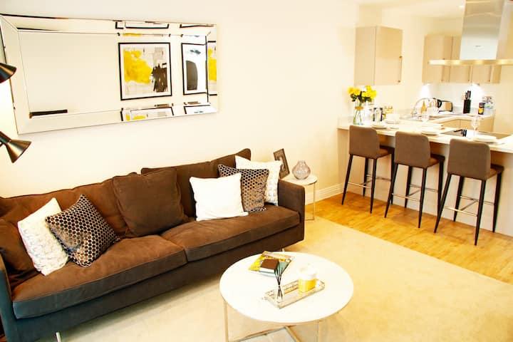 Deluxe 2 Bedroom in Welwyn Garden City - Book Now!