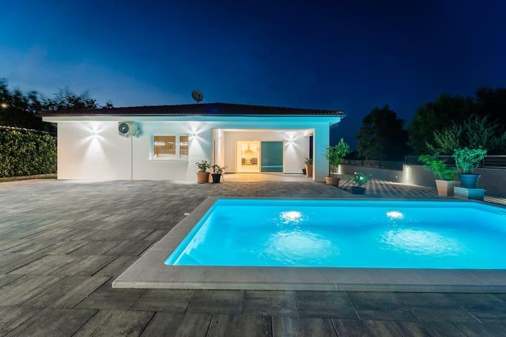 3-Bedroom Pool Villa built in 2019