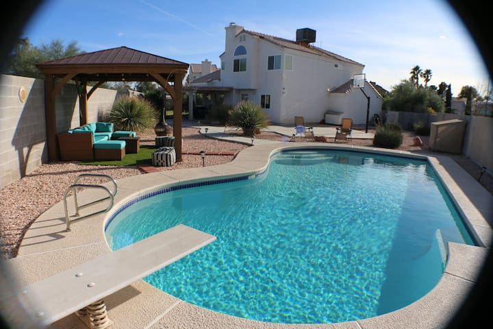 Paradise pool house 4 bdrm houses for rent in las - Houses to rent in uk with swimming pools ...