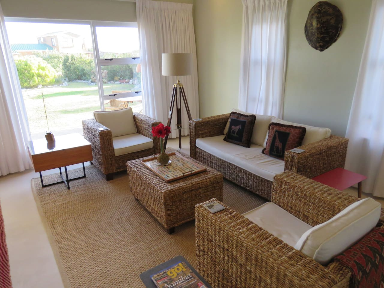 Simplistic style and convenience - walking distance from the beach!