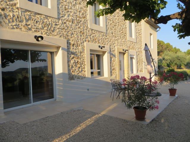 Ferme 100 m2 plain pieds près de Vaison La Romaine - Puyméras - House
