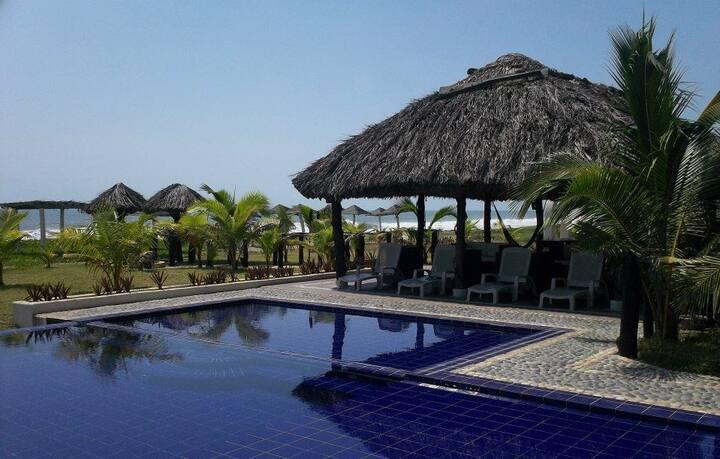 Suites PLAYA DEL AGUILA en la Costa de Michoacán.
