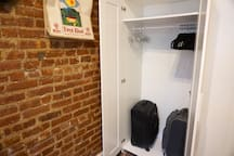 Storage your luggage and hang your clothes