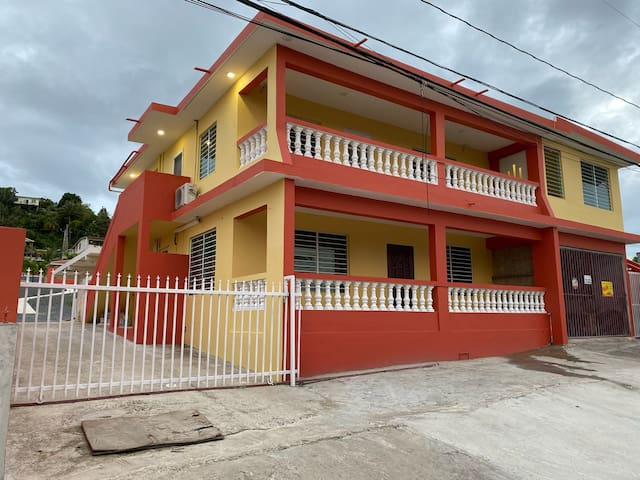 WOW! NEW LUQUILLO BEACH VILLA A/C & POOL SLEEPS 20