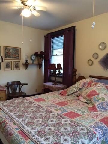 Bedroom Julia