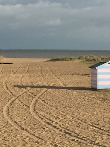 Large Family Home near the beach in Gt Yarmouth