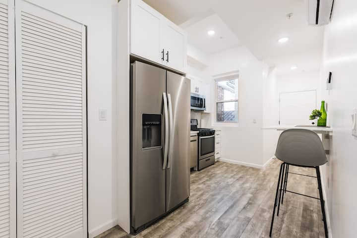 Brand New 2 Bedroom W/ Natural Light 20 Min NYC