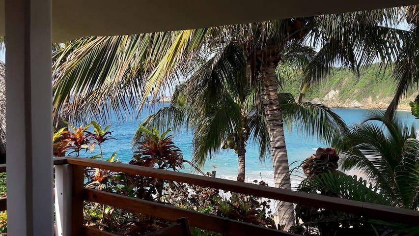 Posada Ziga 5, Hab privada , terraza vista al mar