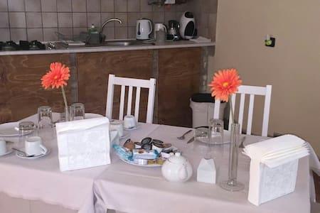 Accogliente stanza per la colazione - House