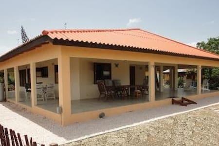 Villa Butuela, Grote Berg - Curaçao - Grote Berg