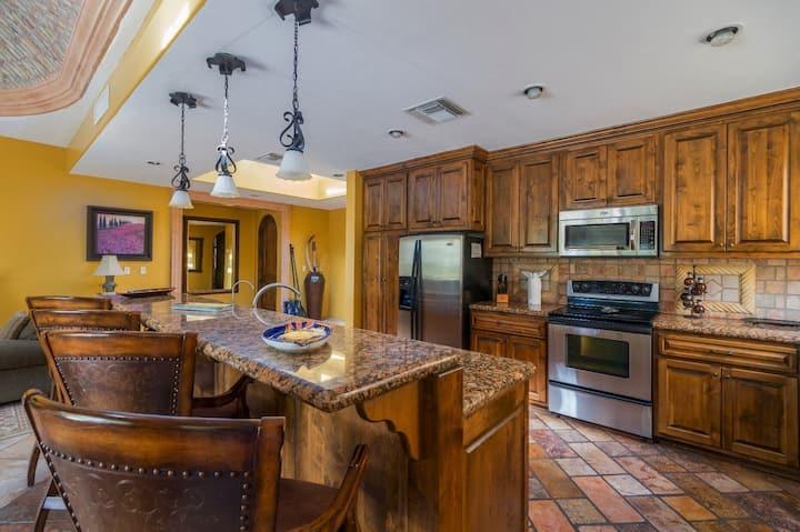 Bella Sirena Resort 12-V Must-See Paradise 3 BR Ocean Front Villa