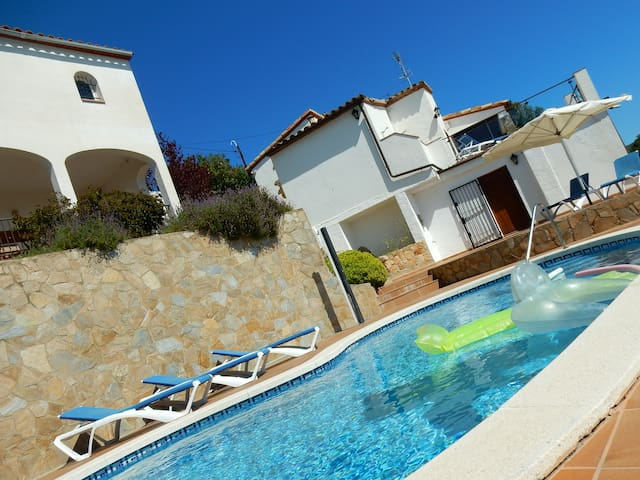 Villa Panorama with astonishing sea views! (12pax)