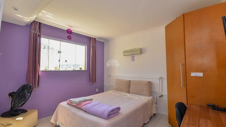 Suíte Violeta - Hostel CWB