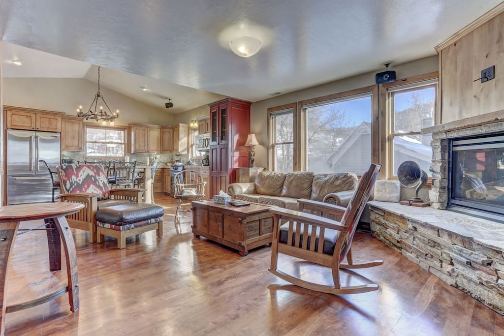 """Living Room with Cozy Seating, Gas Fireplace and 55"""" HD TV & DVD"""