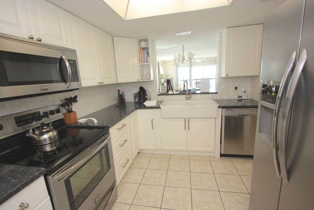 Pack a lunch for the family or enjoy whipping up a an amazing meal in this beautifully updated kitchen with stainless steel appliances.