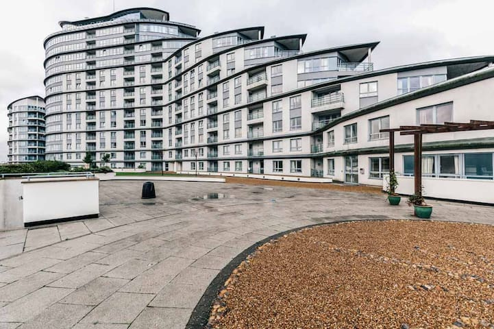 Woking - The Centrium(Two Bedroom Apartment)
