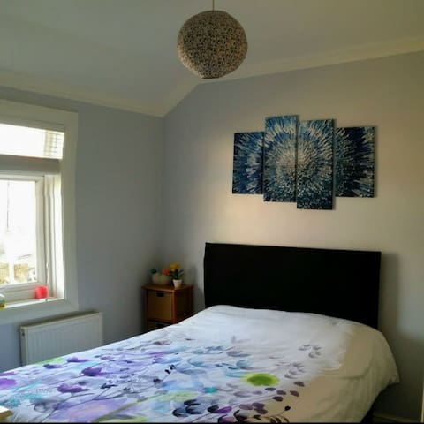Double Room in Eltham