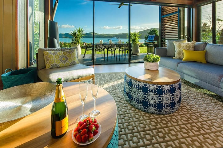 Yacht Club Villa 8 on Hamilton Island