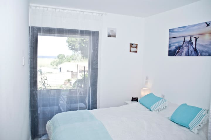 T4 80 m2 climatisé terrasse 35m2 +Jardin - Vue mer - Saint-Florent - อพาร์ทเมนท์