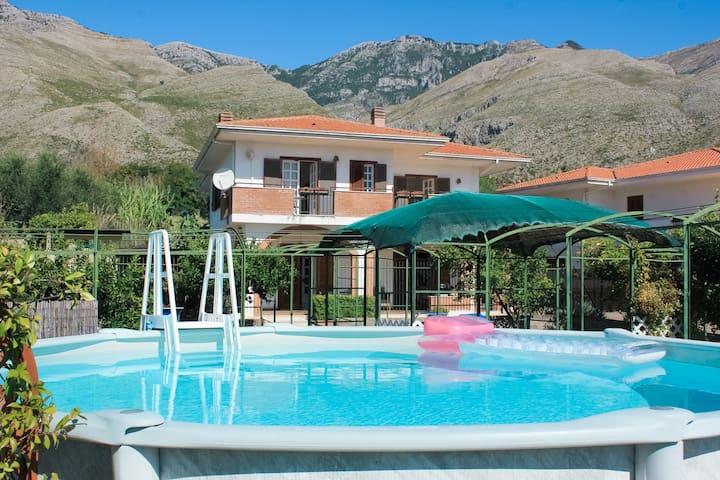 La Villa dei Limoni - Villa Panoramic with Pool
