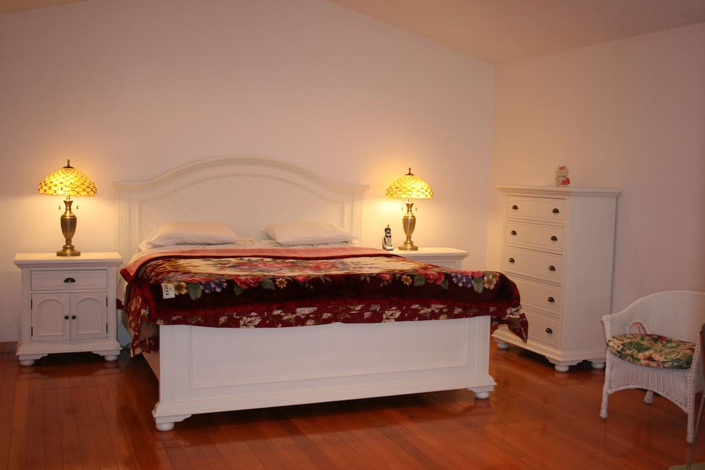 Bedroom 1 (Master bedroom with King size bed and private bath)