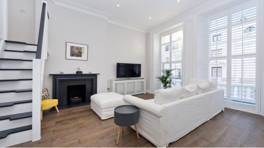 Newly refurbished Knightsbridge Flat