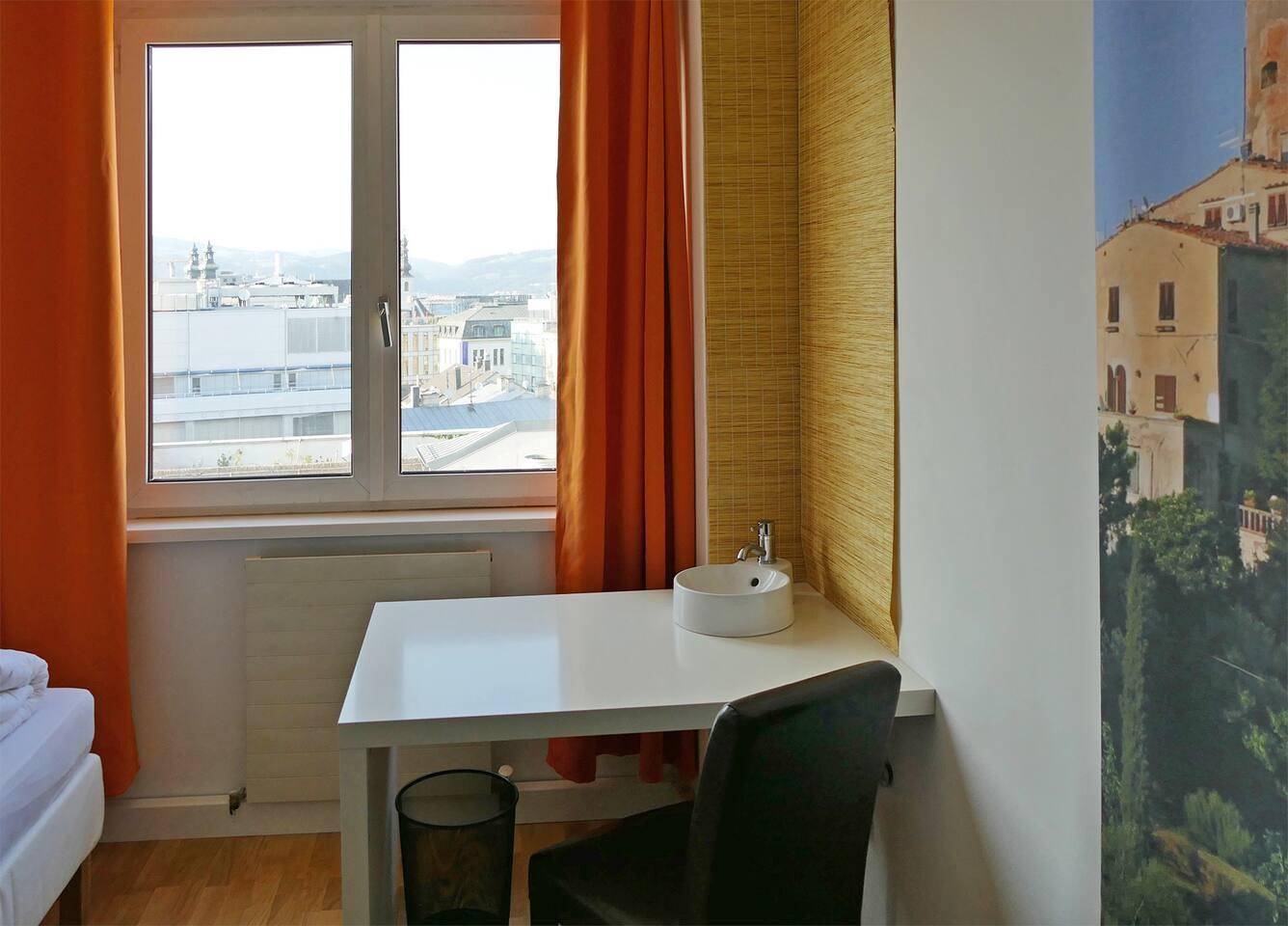 Guestroom 1 North