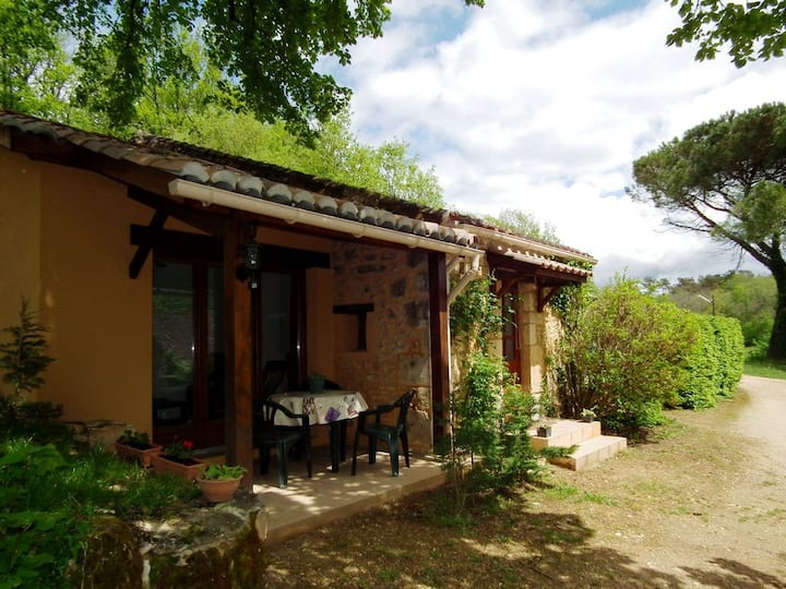 Dordogne Holiday Resort **** Cottage 2/4 pers.