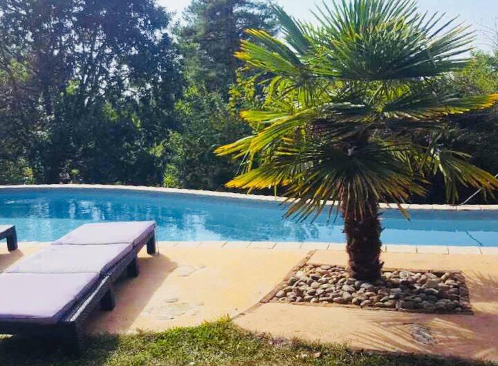 Maison de charme avec piscine privée et chauffée