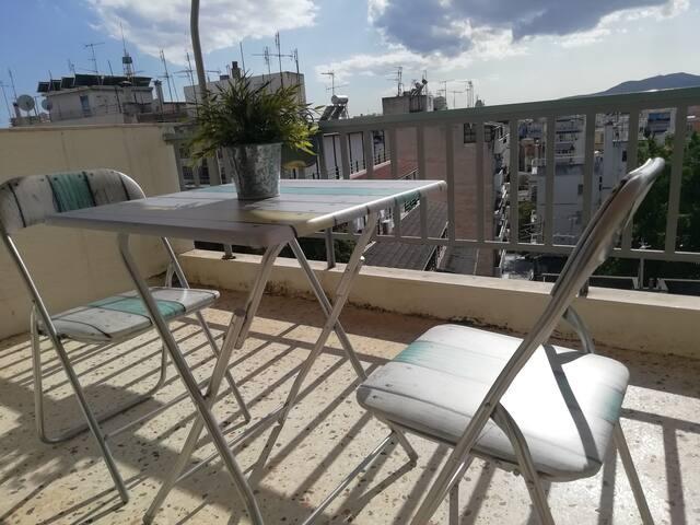 Cosy apartment with balcony in Attiki square!