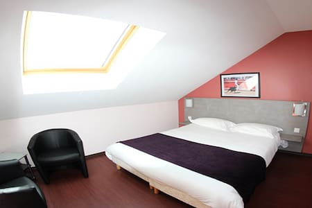 Chambre privée Aimargues - Aimargues - Bed & Breakfast